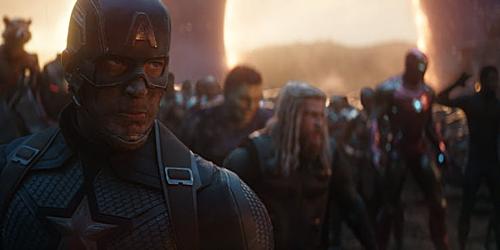 Avengers: Endgame lập thêm kỷ lục Phim có màn công chiếu hoành tráng nhất tại 4662 rạp toàn cầu.