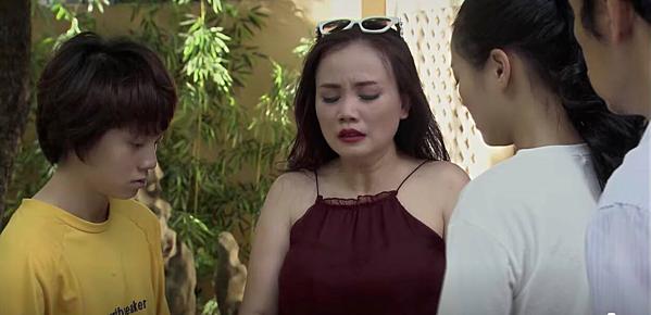 Cô Xuyến khóc hơn 10 lần trong cảnh thông báo lấy chồng.