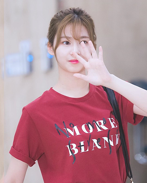 Ngoài Jennie, Sana cũng là mỹ nhân có khả năng