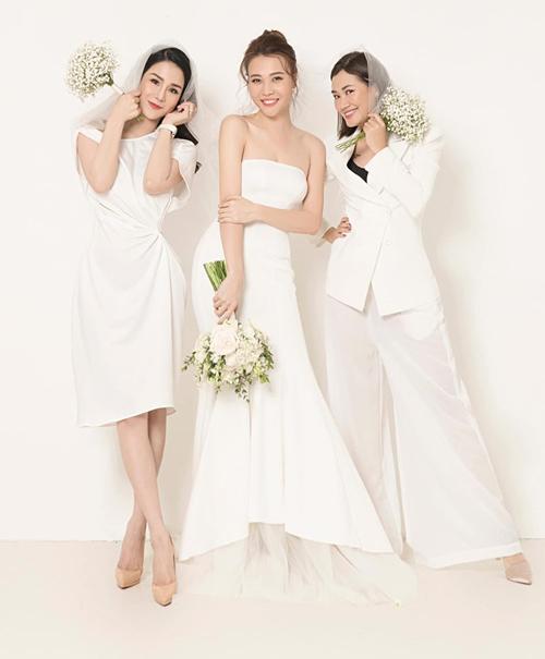 Diệp Lâm Anh và Pông Chuẩn lỡ cơ hội làm phù dâu cho cô bạn thân Đàm Thu Trang vì đều đang mang bầu.