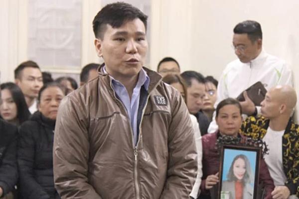 Châu Việt Cường tại tòa án.