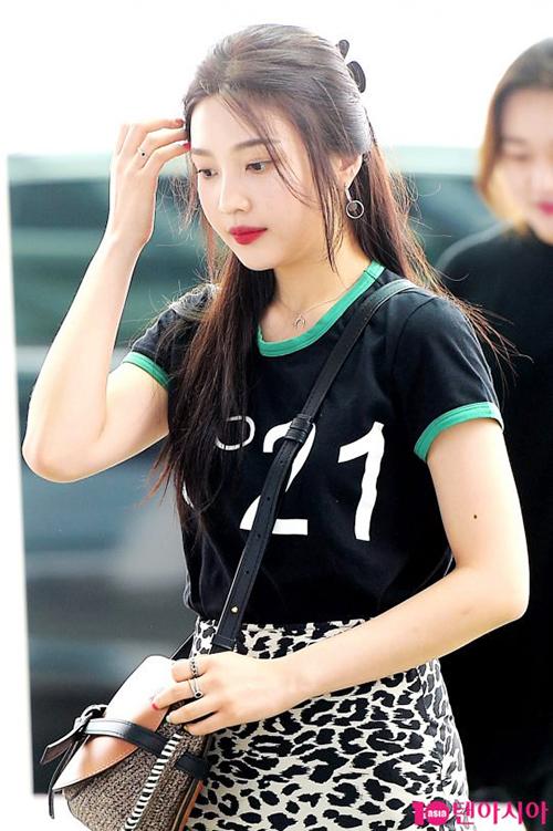 Joy ngày càng xinh đẹp, là biểu tượng của vẻ đẹp cute - sexy trong Kpop.
