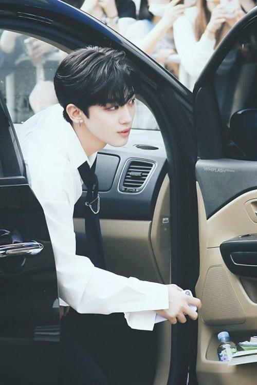 Vị trí cuối cùng thuộc về Kim Yo Han (X1). Dù mới nổi lên từ Produce X 101 nhưng anh chàng đã trở thành một trong những nam idol tân binh hot nhất 2019.