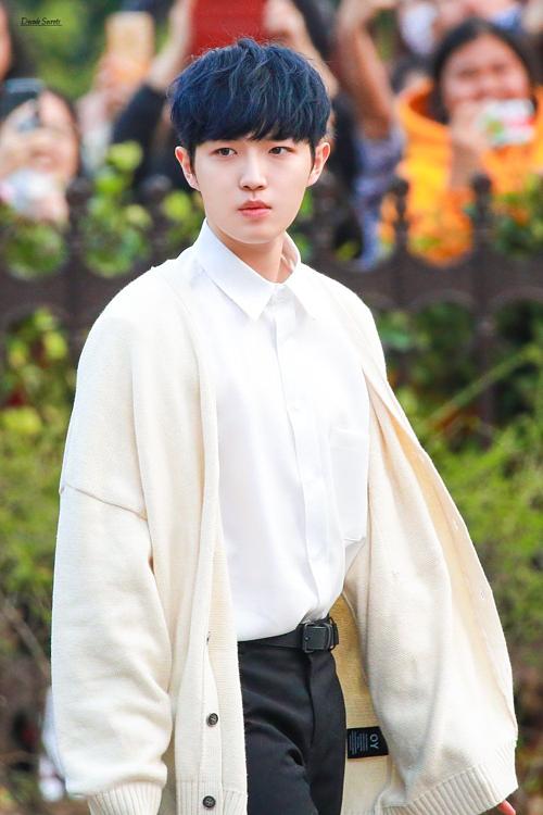 8 nam idol được fan bình chọn muốn đi chung ô nhất trong ngày mưa - 2