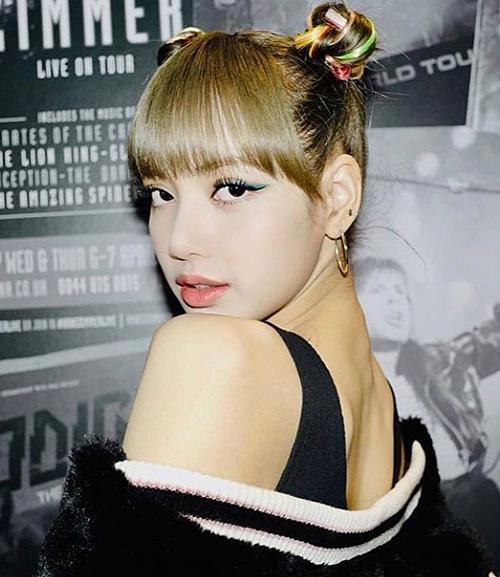Những light tóc màu sắc sặc sỡ luôn giúp sao Hàn