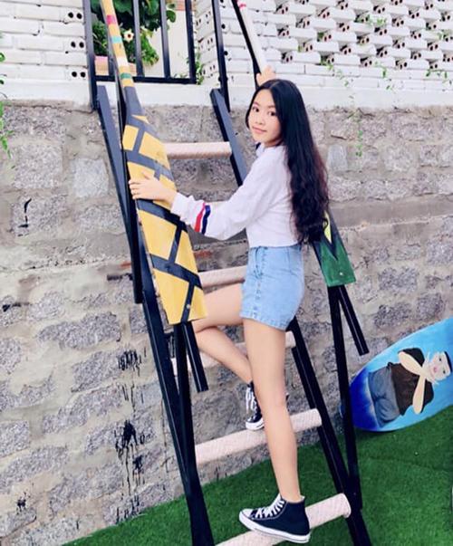 Dù được nhiều người khen có dáng vẻ hoa hậu tương lai nhưng Thảo Linh và gia đình không định hướng theo con đường nghệ thuật. Con gái của Quyền Linh muốn theo đuổi công việc thiết kế thời trang, đồng thời kinh doanh giống mẹ.