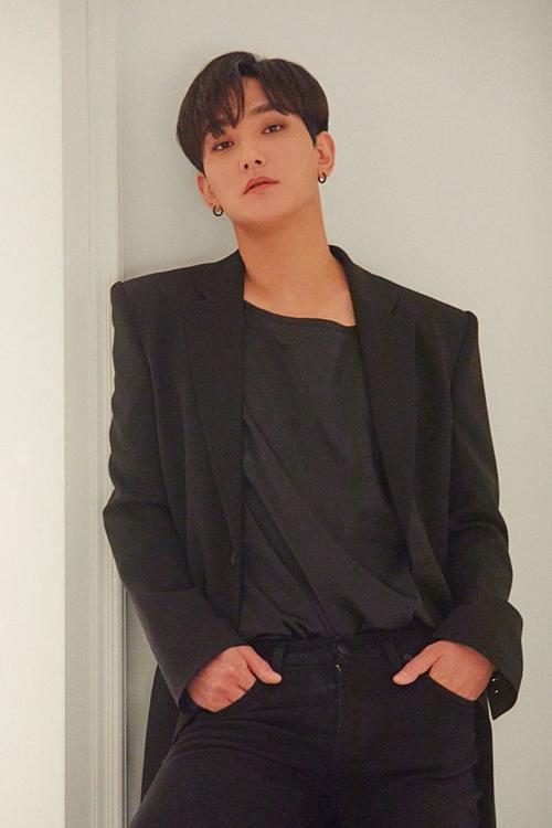 Teaser comeback của Kang Ta.