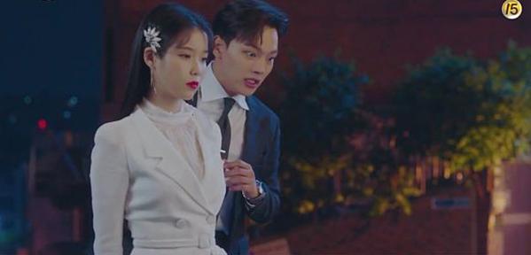 Tính cách nhân vật Goo Chan Sung nhút nhát, sợ ma nhưng cũng rất tốt bụng. Vì thế, Goo Chan Sung thường xuyên bị các linh hồn không siêu thoát được lợi dụng và làm hại. Jang Man Wol nhiều lần ra tay giúp đỡ anh. Tình cảm giữa hai người dần dần nảy sinh khi bà chủ khách sạn cảm động vì sự tốt bụng của Goo Chan Sung.
