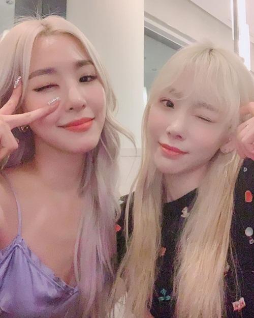 Tae Yeon chia sẻ ảnh đôi cùng Tiffany khiến hội shipper TaeNy sung sướng đẩy thuyền.