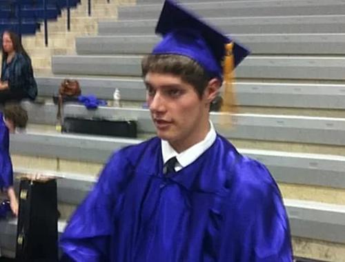 Connor Betts trong ngày tốt nghiệp trường trung học Bellbrook năm 2013.