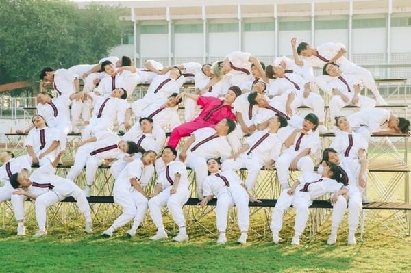 Nhóm nhảy Thái Lan giúp Trúc Nhân hút triệu view trong MV Sáng mắt chưa