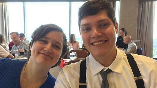 Tay súng Connor Betts vàem gái Megan Betts.