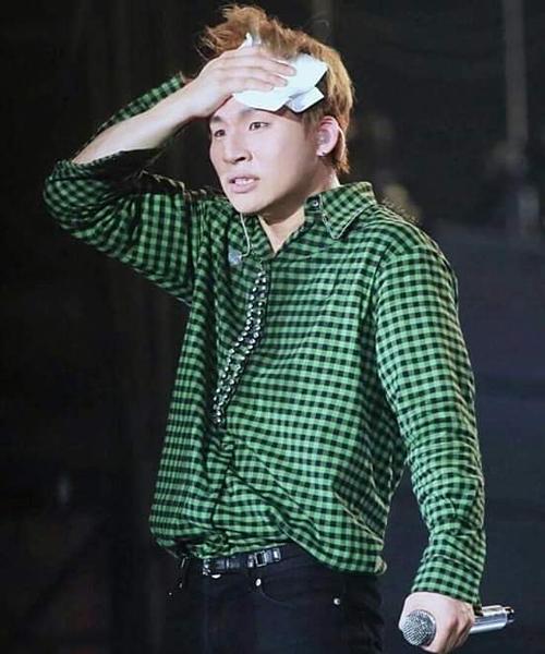 Chàng trai luôn bị réo gọi mỗi lần có tin tức hẹn hò.Dae Sung (Big Bang) - người chưa từng dính scandal hẹn hò trong sự nghiệp.