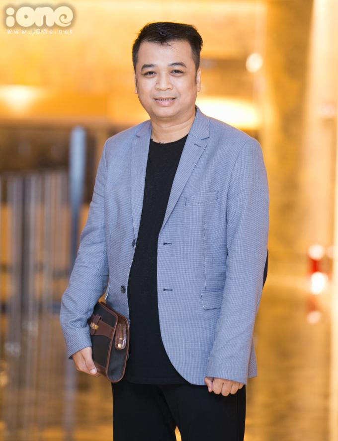 """<p> Tiến Minh vào vai một trưởng phòng hành chính, chuyên đi """"bắt lỗi"""" các đồng nghiệp trong cơ quan.</p>"""