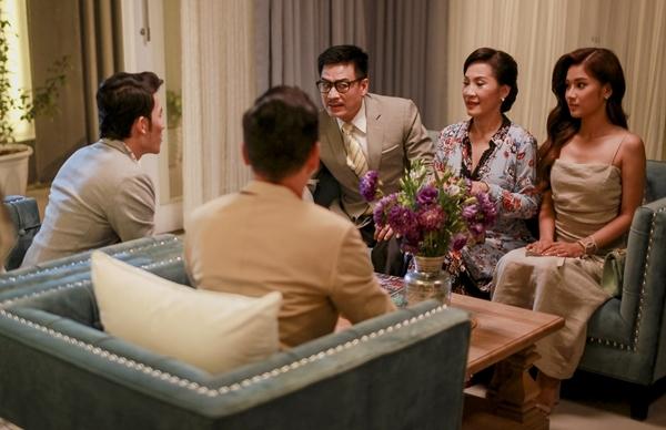 Cuộc gặp gỡ định mệnh giữa nhà trai - nhà gái trong phim.