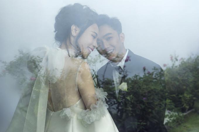 <p> Đàm Thu Trang ngọt ngào bên ông xã.</p>