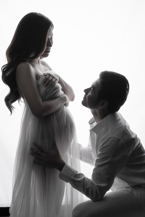 Anh Tài - Vũ Ngọc Ánh hồi hộp đón baby đầu lòng.