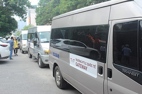 Loại xe được sử dụng đưa đón học sinh ở trường Gateway. Ảnh chup sáng nay (7/8).