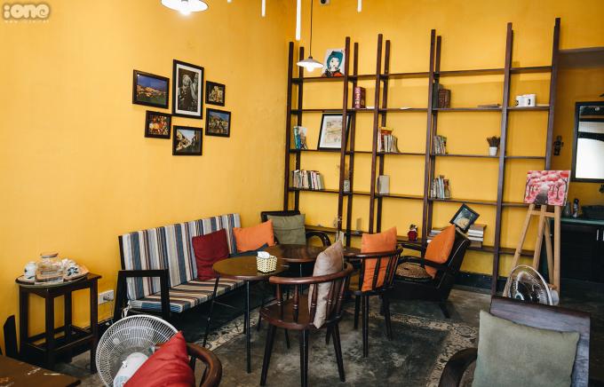 <p> Nơi đây thích hợp cho những ai thích không gian yên tĩnh, có thể đến ngồi làm việc, đọc sách, tán gẫu với bạn bè.</p>