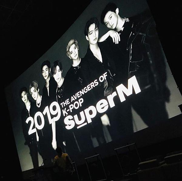 Nhóm được mô tả là The Avengers of Kpop.