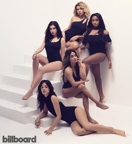 Thợ photoshop mắc lỗi với dàn người mẫu ở đâu? - 1