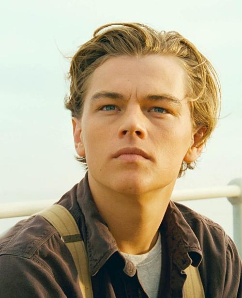 Vẻ lãng tử từng tạo nên cơn sốt toàn cầu của Leonardo DiCaprio.