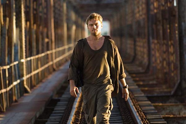 Một Leonardo DiCaprio lạnh lùng, gai góc, nhưng đầy cảm xúc trong Blood Diamond.