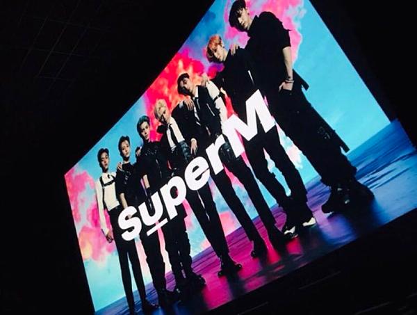 Hình ảnh SuperM được giới thiệu tại một sự kiện ở Mỹ vào sáng nay.