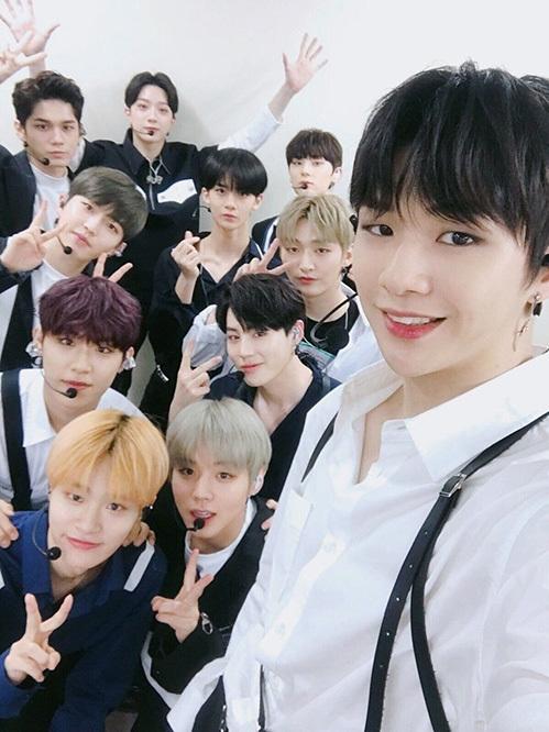 Wanna One có buổi gặp gỡ hàng năm vào đúng ngày thành lập nhóm.