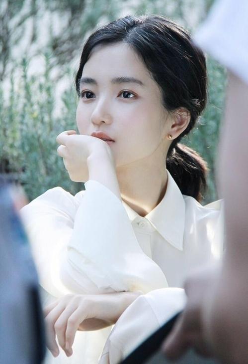 Ngọc nữ điện ảnh Hàn được khen ngợi về khí chất độc nhất vô nhị - 7