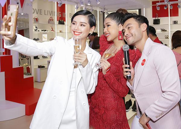 Đồng Ánh Quỳnh - Khánh Linh đọ phong cách ngọt ngào - 6