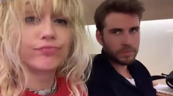 Lần cuối cùng cặp đôi chia sẻ những khoảnh khắc hạnh phúc đời thường trên Instagram là vào tháng 6. Chỉ một tháng sau đó, Miley gây xôn xao với những phát ngôn như phát ngấy đàn ông và có tình cảm với nữ giới. Từ cuối tháng 7, cả Miley và Liam đều xuất hiện một mình trong tình trạng không đeo nhẫn cưới.