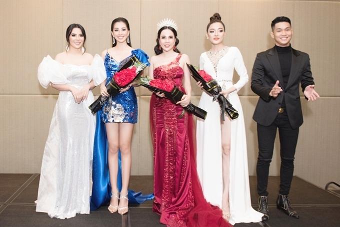 <p> Miss Business Beauty World 2019 tổ chức nhằm tôn vinh sắc đẹp, trí tuệ và lòng nhân ái của những nữ doanh nhân thành đạt. Cuộc thi chấp nhận thí sinh người Việt ở phạm vi toàn cầu, được tổ chức tại Hàn Quốc, bắt đầu từ 25/9.</p>