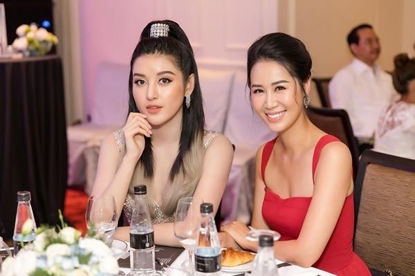 Cô hội ngộ Dương Thùy Linh ở sự kiện.