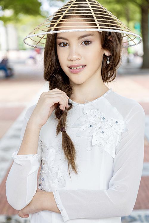 Dù là mẫu nhí được nhiều nhãn hàng thời trang ở Việt Nam lựa chọn để quảng cáo như Canifa, Ivy Moda, K's Closet, Happy Clothing, Phương Nguyễn Silk, nhưng Lucy vẫn muốn xâm nhập thị trường mẫu tại Mỹ, vì đó là nơi cô bé sẽ trở về định cư sau một vài năm nữa.