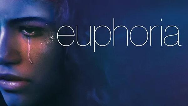 Series học đường trần trụi Euphoria gây tranh cãi với các chi tiết 18+