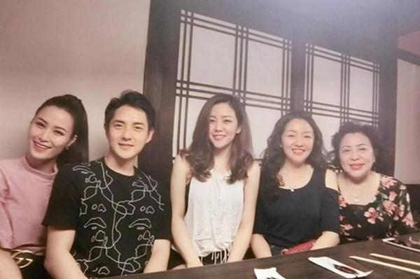 Đông Nhi được gia đình Ông Cao Thắng xem như con dâu suốt 10 năm qua - 5
