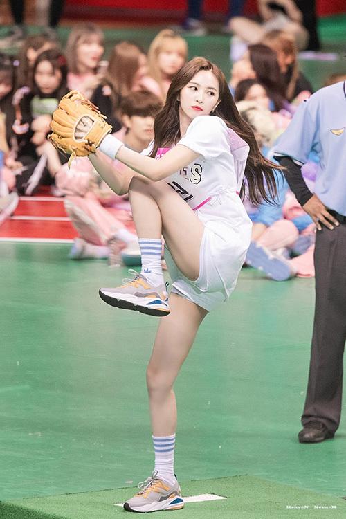 Jin Won (Cherry Bullet) cũng có thành tích tốt, góp mặt ở trận chung kết.