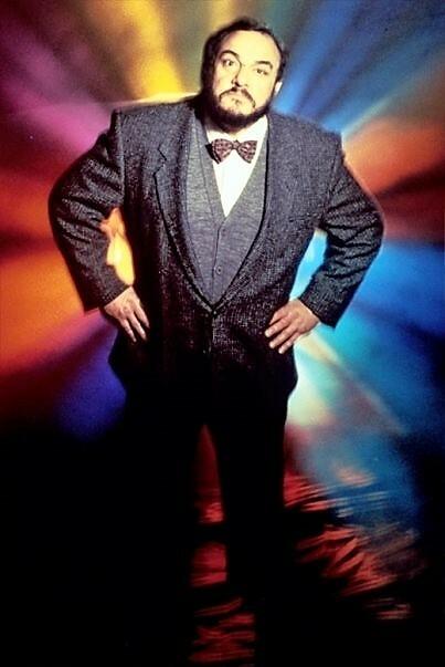 Nam diễn viên John Rhys-Davies trong Sliders.