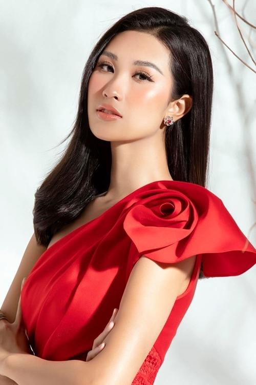 Phạm Anh Thư sau khi vào top 15 Miss World Vietnam nhận được nhiều sự ủng hộ của khán giả nhờ lợi thế về sức trẻ, kỹ năng và khuôn mặt sáng. Đăng ký dự thi Hoa hậu Hoàn vũ Việt Nam, cô nói với iOne: Năm nay, chủ đề cuộc thi là Trái tim dũng cảm. Tôi muốn mình là người tiên phong. Tôi muốn trở thành Hoa hậu Hoàn vũ Việt Nam để có thể dùng sức ảnh hưởng của mình, giúp đỡ những người gặp khó khăn, truyền cảm hứng yêu thương qua hành động và câu chuyện của mình. Hơn hết tôi vẫn còn rất trẻ. Tôi muốn sống một cuộc sống ý nghĩa, không hối tiếc. Sau này, tôi cũng muốn kể cho con cháu nghe về mình. Chắc chắn, việc dự thi sắc đẹp, trải nghiệm các hoạt động của cuộc thi sẽ mang lại cho tôi rất nhiều kỷ niệm.