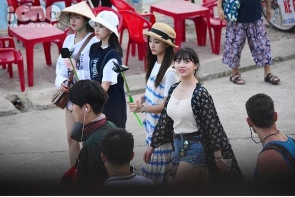 Tháng 8/2017, nhóm nhạc nữ Hàn Quốc TWICE tham gia ghi hình cho một chương trình tại Hội An. Các cô gái được dịp khám phá các con phố, ăn nhiều món ăn, chơi các trò chơi dân gian như đập heo đất...