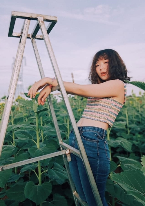 Trong Về nhà đi con, Lê Na thích nhất vai Ánh Dương. Cô tiết lộ từng đi casting vai diễn này nhưng do không menly bằng Bảo Hân, cô không được chọn.