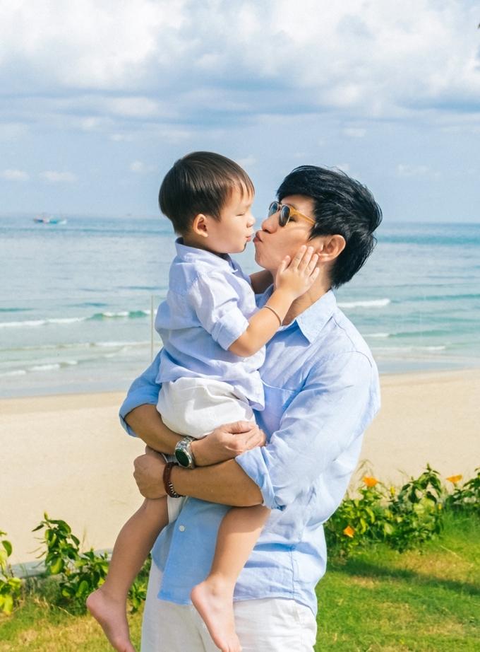 Lý Hải - Minh Hà vẫn say đắm sau 9 năm yêu, sinh 4 con