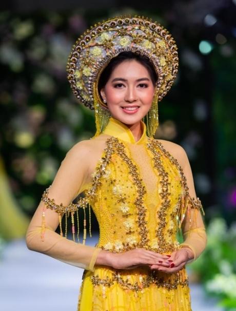 Hoa hậu Myanmar mặc áo dài cưới Việt Nam