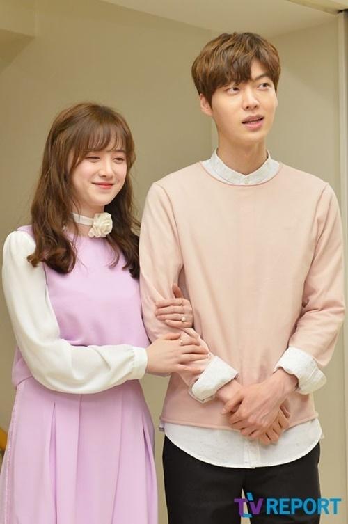 Ahn Jae Hyun không còn xuất hiện ủng hộ vợ.