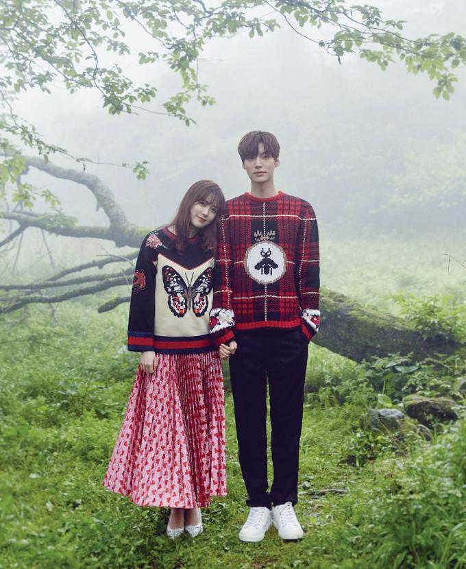 """<p> Trong khi Goo Hye Sun dịu dàng như một đóa hoa thì Ahn Jae Hyun lại bảnh bao, thư sinh. Nhiều fan từng kỳ vọng tình yêu giản dị, ngọt ngào của cặp đôi này sẽ bền lâu. Tuy nhiên sau 3 năm kết hôn, nàng """"Cỏ"""" vừa gây chấn động khi tiết lộ cả hai đang trong thời kỳ rạn nứt, chuẩn bị tiến tới ly hôn. Những người hâm mộ hẳn sẽ không khỏi tiếc nuối khi nhìn lại những khoảnh khắc họ bên nhau mặn nồng.</p>"""