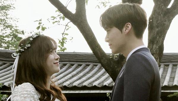 Bức ảnh cưới duy nhất được hé lộ của Ahn Jae Hyun và Goo Hye Sun trong ngày trọng đại.