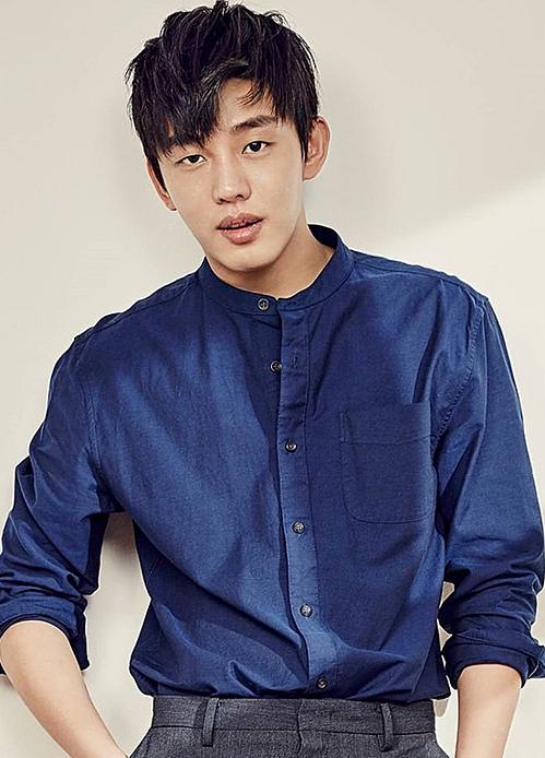 Vị trí thứ ba thuộc về nam diễn viên Yoo Ah In với 1,7% bình chọn. Trái với ngoại hình có chút ngổ ngáo, bất cần, anh chinh phục trái tim khán giả bởi tâm hồn đơn thuần, tính cách thẳng thắn.