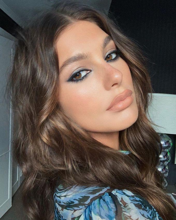 <p> Bên cạnh công việc người mẫu, Camila còn là diễn viên. Cô là con gái của nữ diễn viên nổi tiếng Lucila Solá.</p>