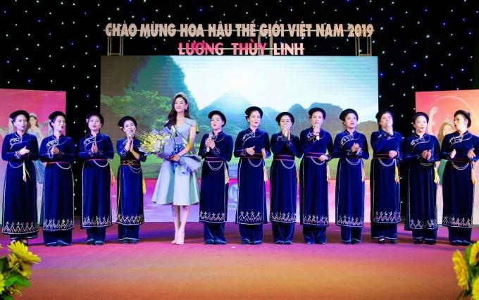 <p> Sau hơn 2 tuần đăng quang Miss World Vietnam 2019, Lương Thùy Linh trở về quê hương Cao Bằng. Lễ chào mừng tân hoa hậu được tổ chức tại Nhà văn hóa tỉnh.</p>